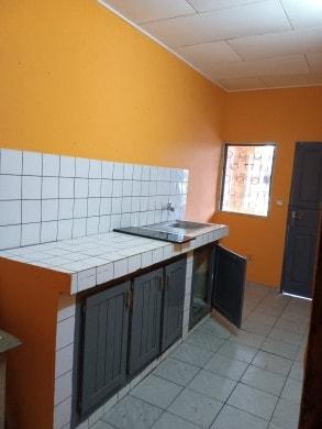 Apartment to rent - Douala, Makepe, Maképé BM - 1 living room(s), 2 bedroom(s), 1 bathroom(s) - 100 000 FCFA / month