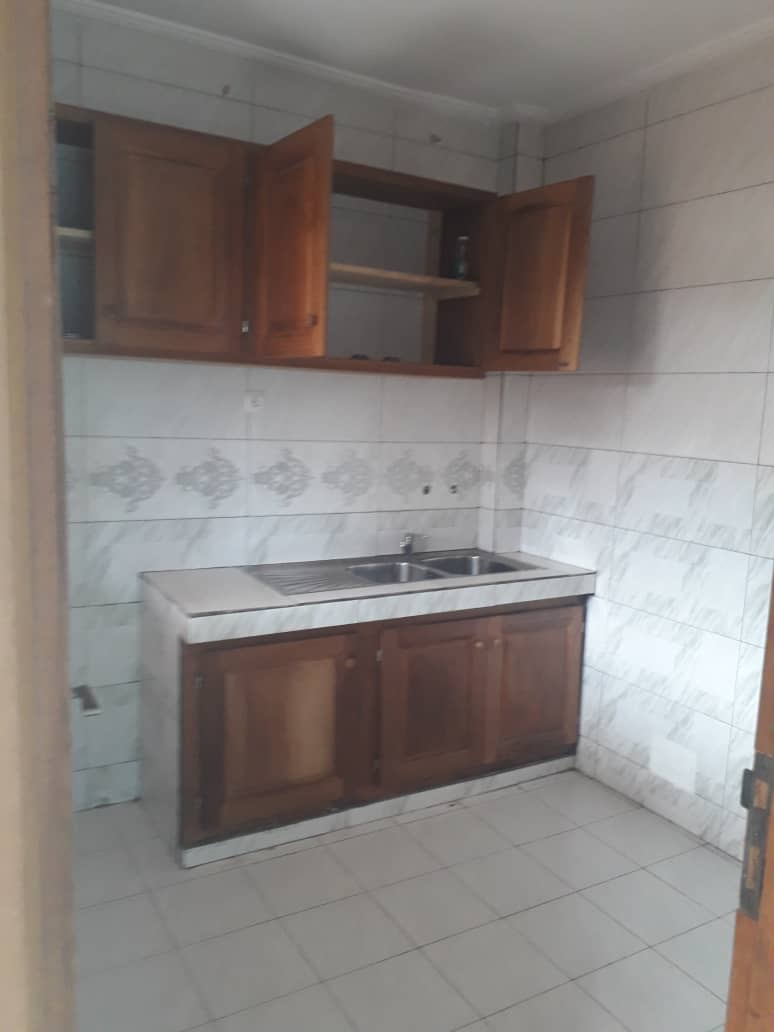 Apartment to rent - Douala, Logpom, Ver papyrus - 1 living room(s), 2 bedroom(s), 2 bathroom(s) - 110 000 FCFA / month