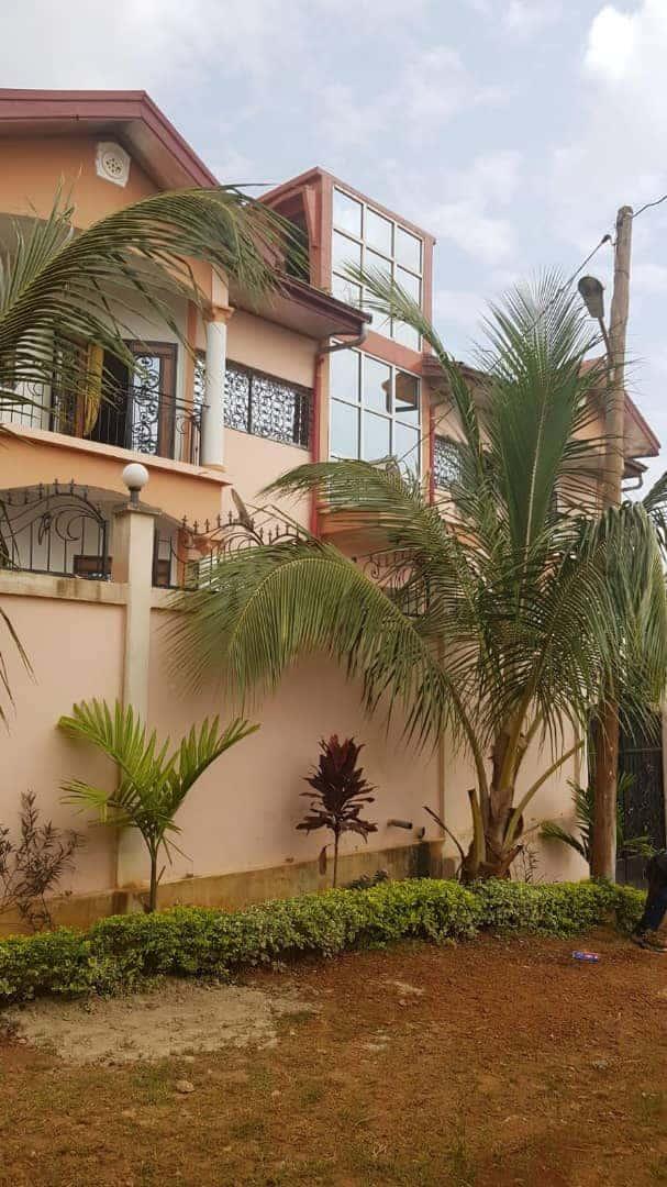 Appartement à louer - Yaoundé, Messassi, Nkolondom camp sic - 1 salon(s), 2 chambre(s), 2 salle(s) de bains - 130 000 FCFA / mois