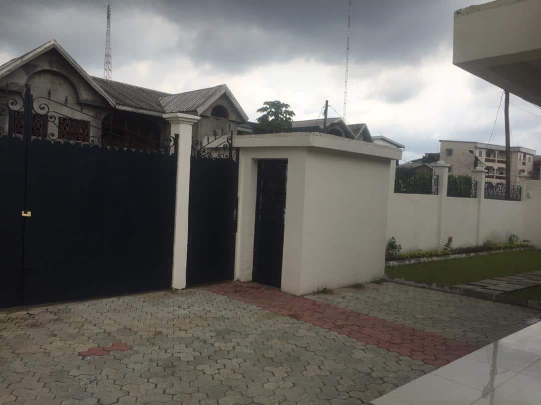 House (Villa) to rent - Douala, Logpom, Station Tradex - 1 living room(s), 4 bedroom(s), 3 bathroom(s) - 80 000 FCFA / month