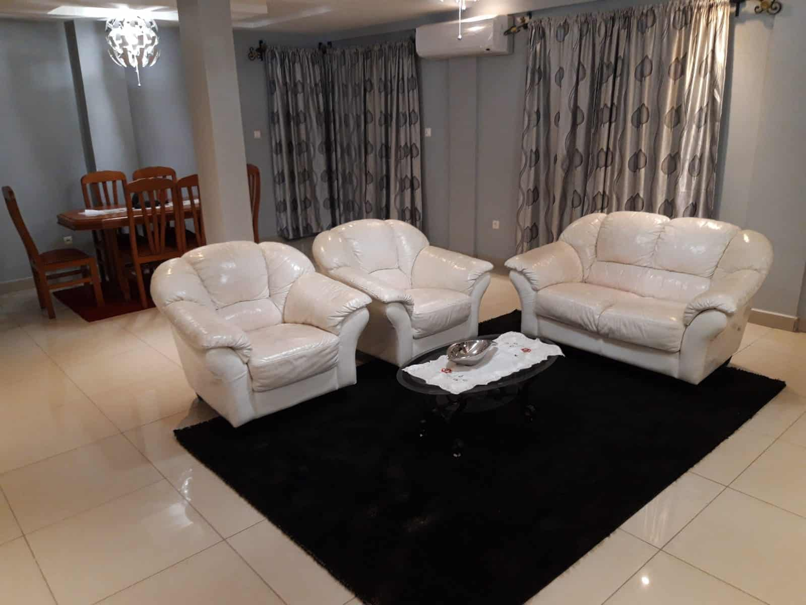 Apartment to rent - Douala, Logpom, Station Tradex - 1 living room(s), 3 bedroom(s), 2 bathroom(s) - 55 000 FCFA / month