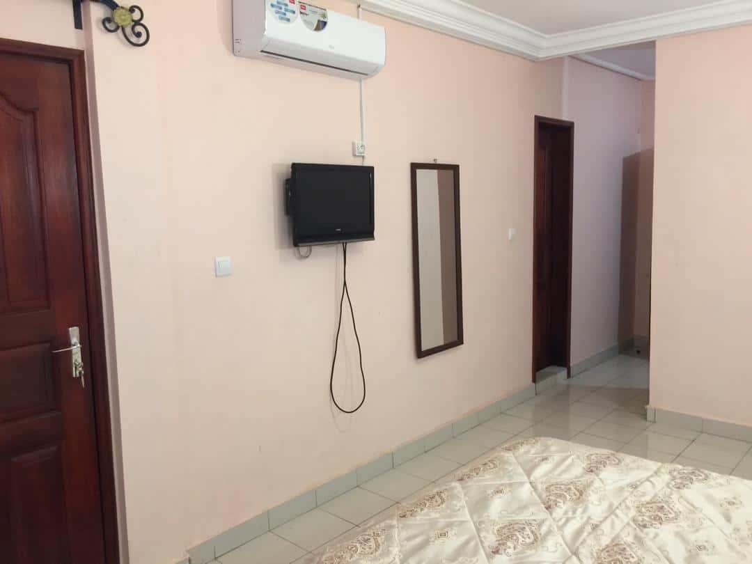 Studio to rent - Douala, Logpom, Station Tradex - 25 000 FCFA / month