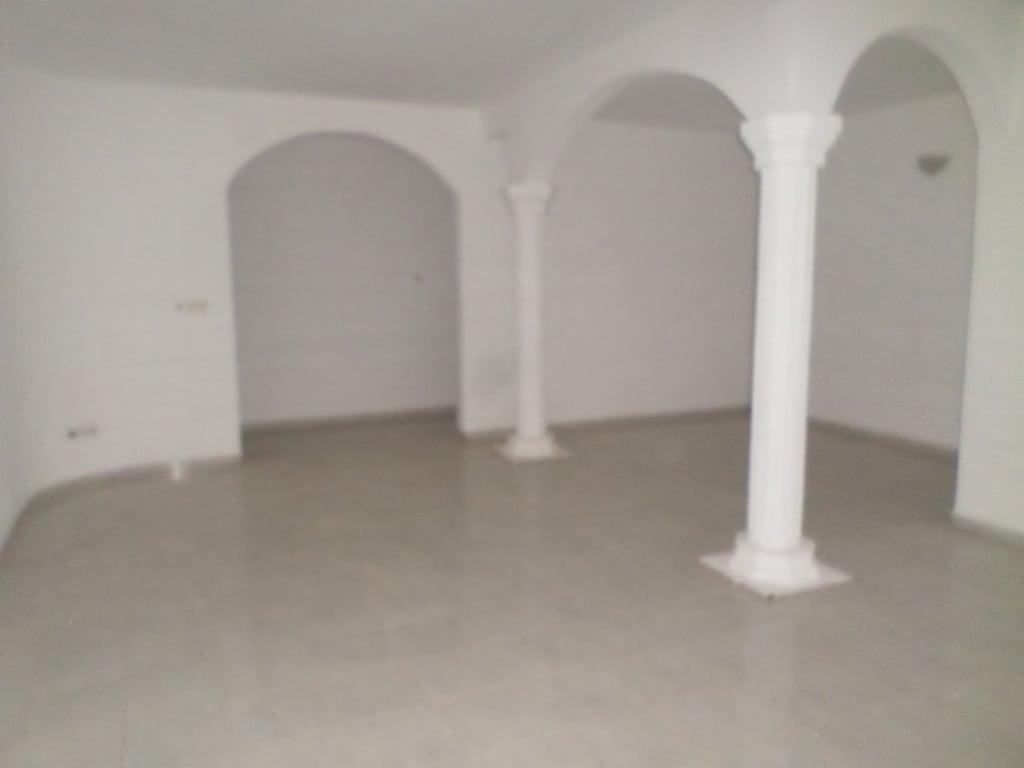Appartement à louer - Yaoundé, Bastos, golf - 1 salon(s), 3 chambre(s), 3 salle(s) de bains - 600 000 FCFA / mois