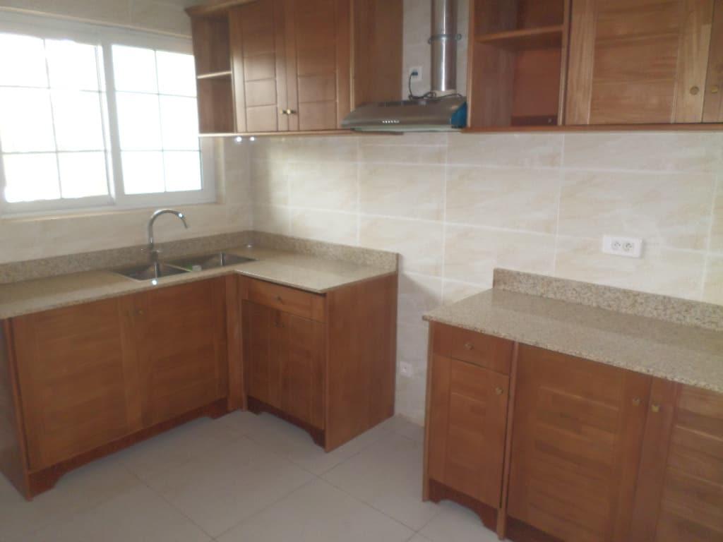 Apartment to rent - Yaoundé, Bastos, appartement duplex avec piscine pas loin  du pnud - 1 living room(s), 4 bedroom(s), 4 bathroom(s) - 1 900 000 FCFA / month