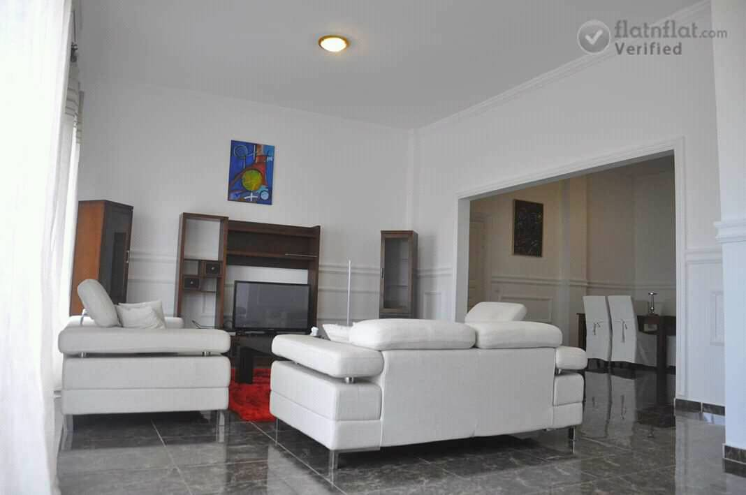 Apartment to rent - Douala, Bonapriso, Douala - 1 living room(s), 2 bedroom(s), 3 bathroom(s) - 500 FCFA / month