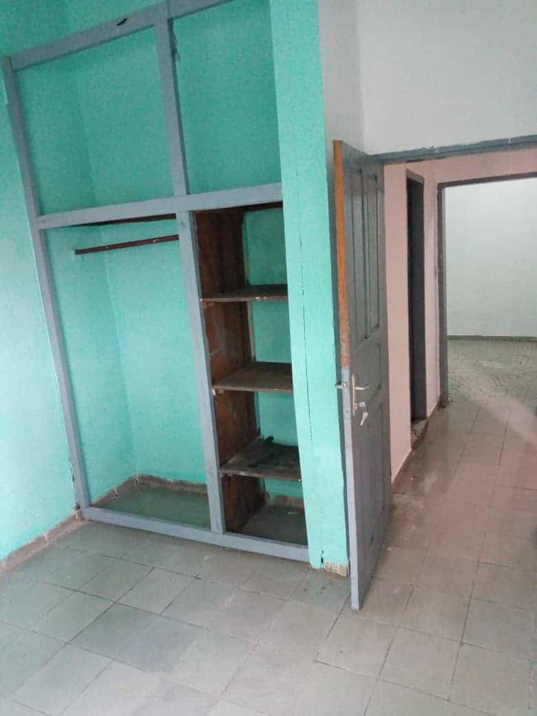 Apartment to rent - Douala, Logpom, Non loin du collège Charles de Gaule - 1 living room(s), 2 bedroom(s), 1 bathroom(s) - 80 000 FCFA / month