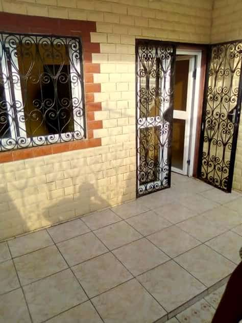 Apartment to rent - Douala, Logpom, Ver bassong - 1 living room(s), 2 bedroom(s), 1 bathroom(s) - 65 000 FCFA / month