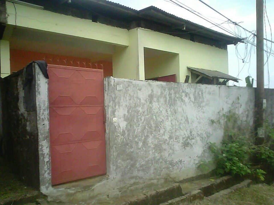 Maison (Maison sur pied) à vendre - Douala, Logbaba, st thomas a 100m du goudron - 1 salon(s), 2 chambre(s), 2 salle(s) de bains - 16 000 000 FCFA