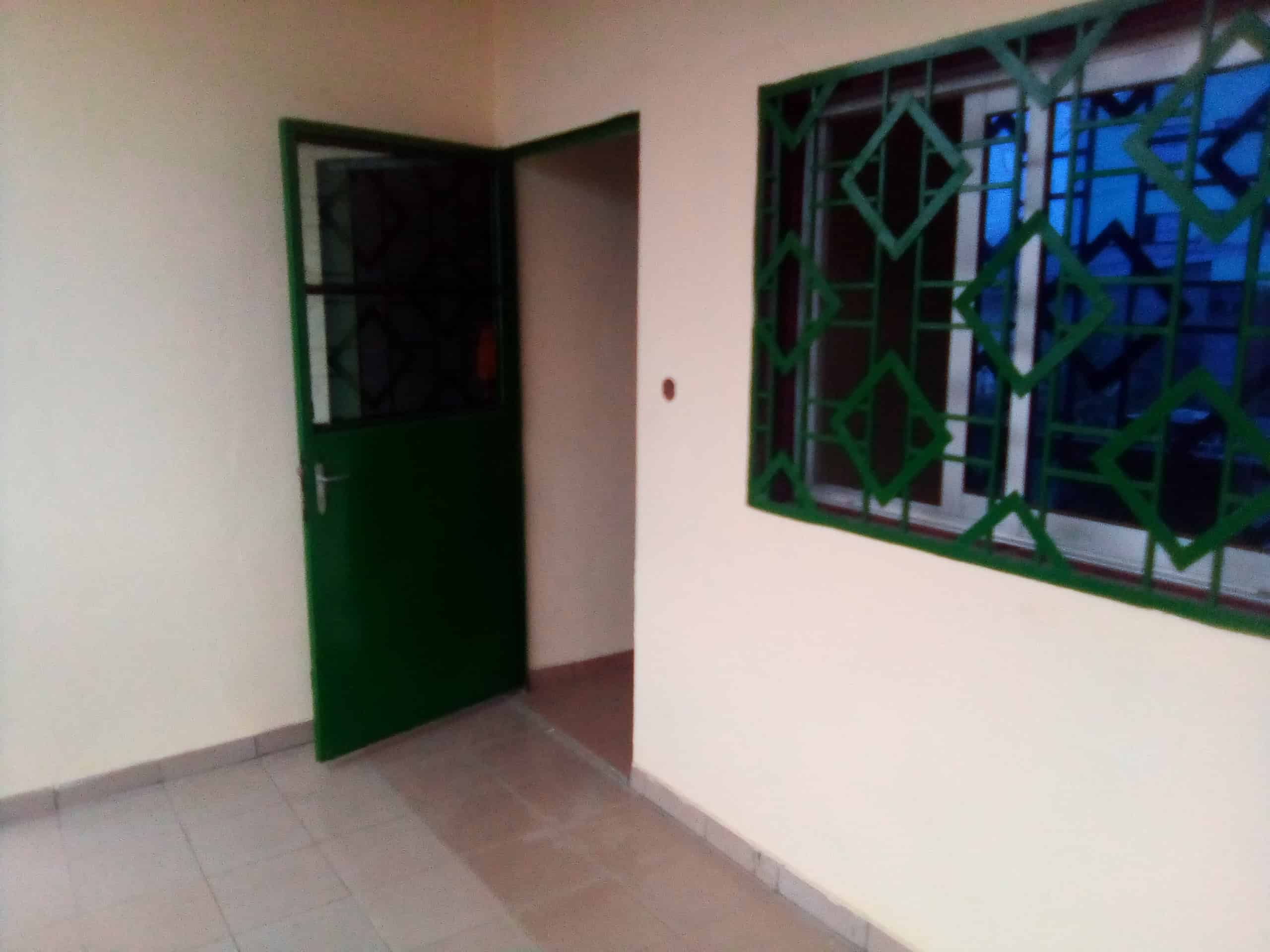 Apartment to rent - Douala, Makepe, BELAVIE - 1 living room(s), 2 bedroom(s), 1 bathroom(s) - 85 000 FCFA / month