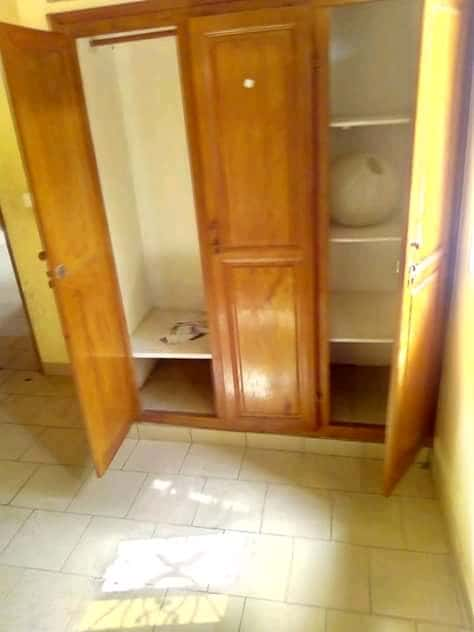 Apartment to rent - Douala, Logpom, Ver bassong - 1 living room(s), 2 bedroom(s), 2 bathroom(s) - 100 000 FCFA / month