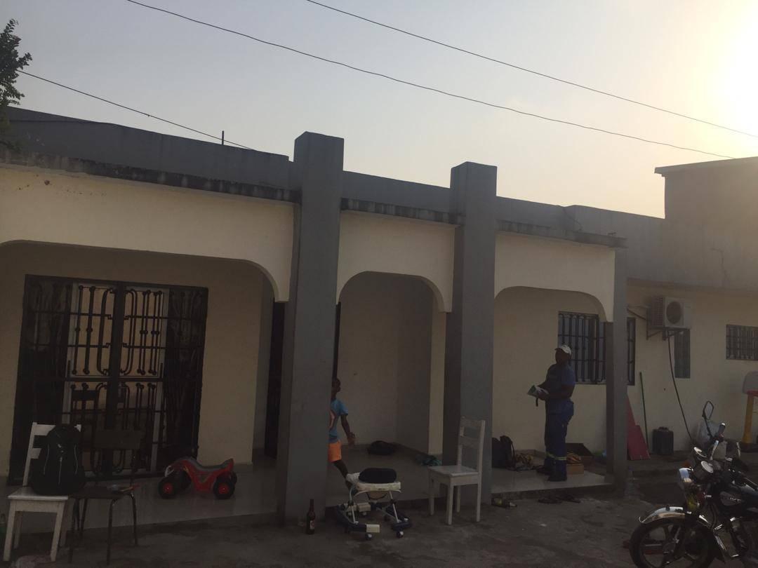 Maison (Villa) à vendre - Douala, Bonamoussadi, Très bonne villa au coeur de Douala 5e - 1 salon(s), 4 chambre(s), 3 salle(s) de bains - 70 000 000 FCFA