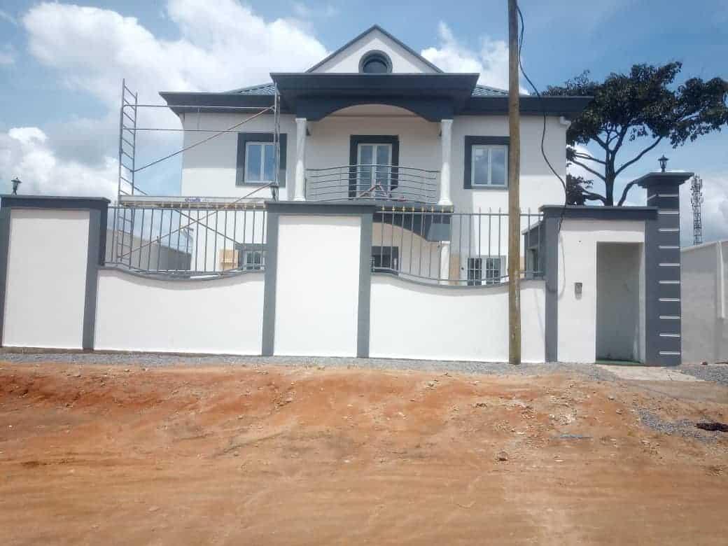 Maison (Villa) à vendre - Douala, Nyala Bassa, Non loin des logements d'afriland first BANK nouvellement construite - 1 salon(s), 4 chambre(s), 3 salle(s) de bains - 150 000 000 FCFA