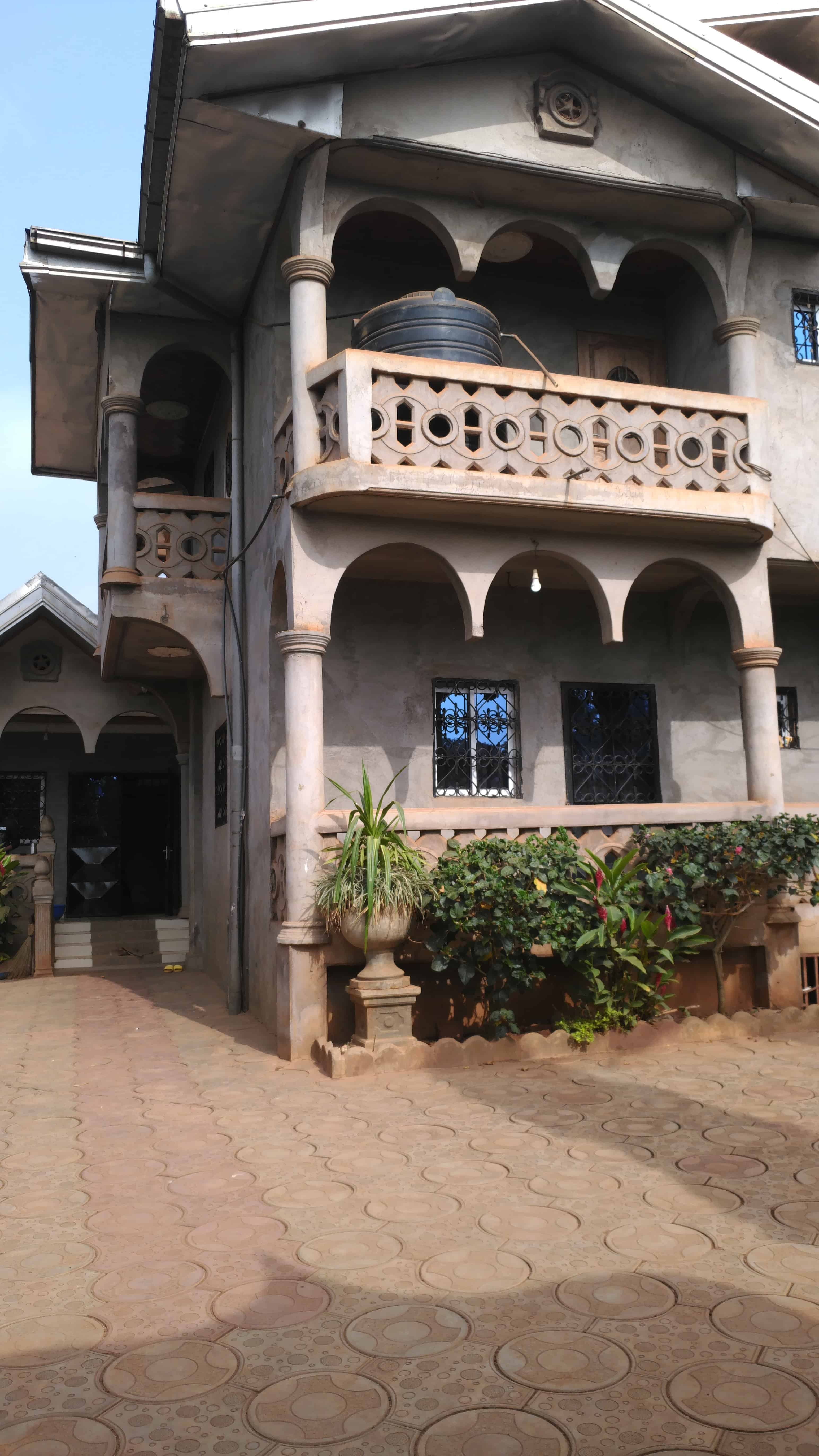 House (Villa) to rent - Yaoundé, Olembe, Nkozoa - 3 living room(s), 6 bedroom(s), 2 bathroom(s) - 300 000 FCFA / month