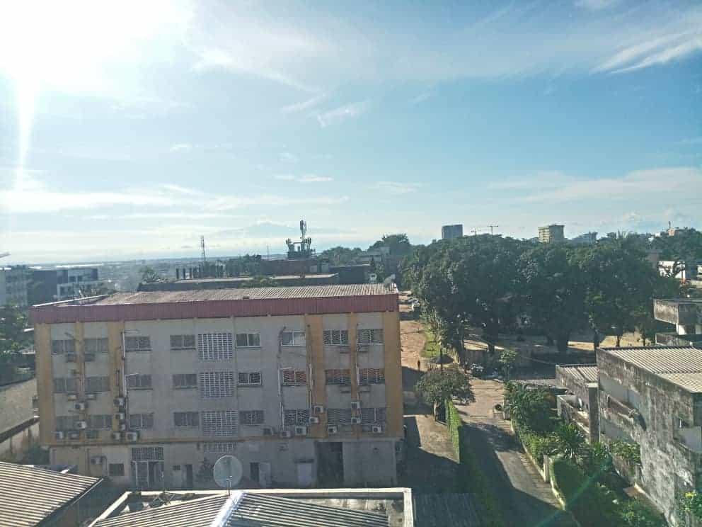 Terrain à vendre - Douala, Bonapriso, Avenue njo njo - 182 m2 - 150 000 000 FCFA