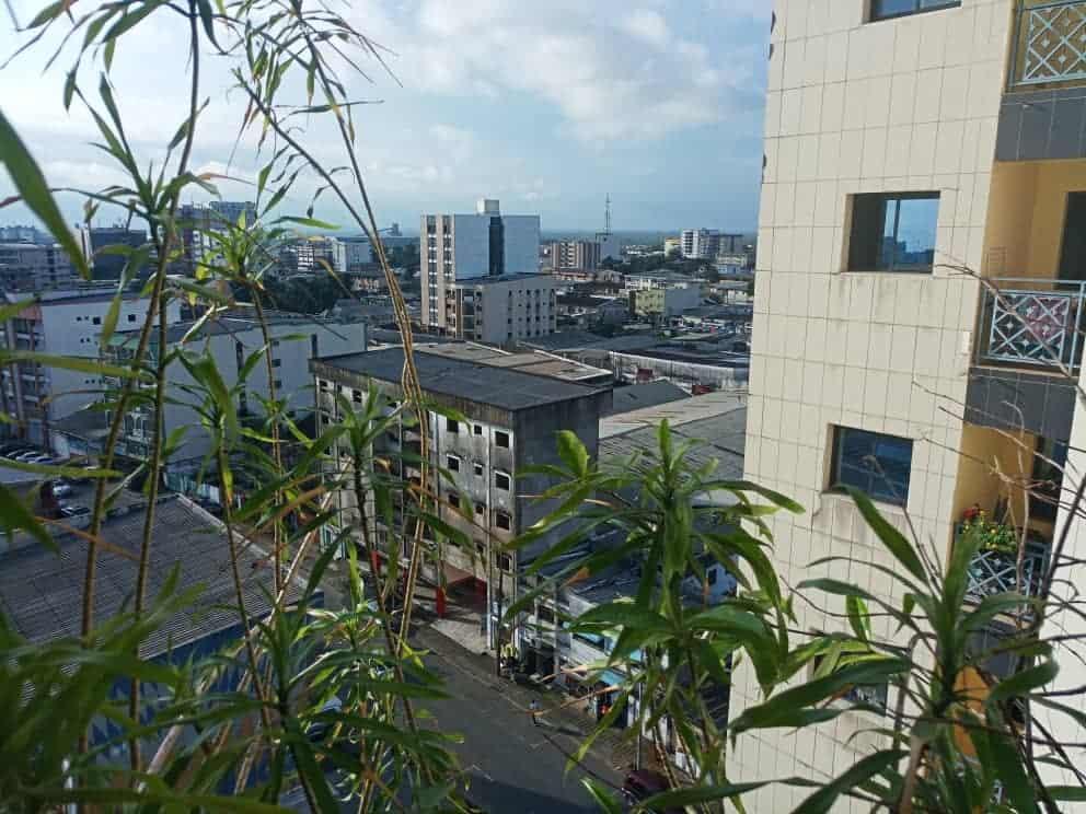 Terrain à vendre - Douala, Yassa, Non loin du stade - 800 m2 - 44 000 000 FCFA