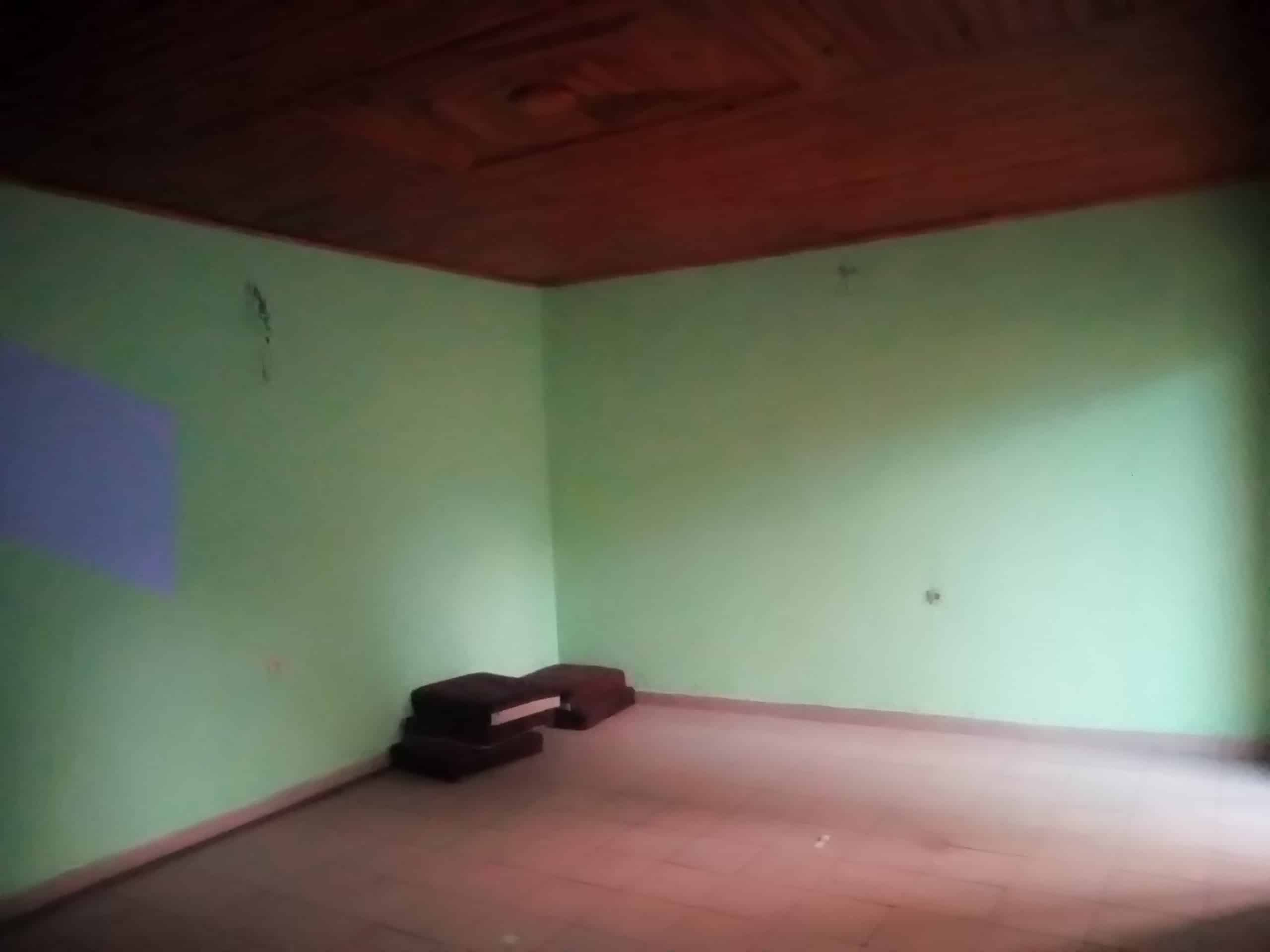Apartment to rent - Douala, Makepe, BM - 1 living room(s), 2 bedroom(s), 1 bathroom(s) - 75 000 FCFA / month