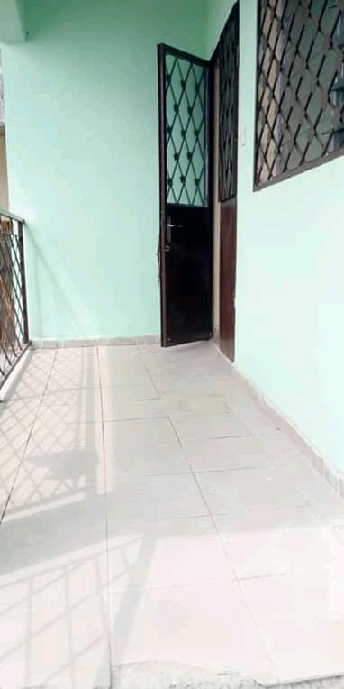 Apartment to rent - Douala, PK 10, Ver tradex - 1 living room(s), 2 bedroom(s), 2 bathroom(s) - 70 000 FCFA / month