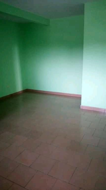 Apartment to rent - Douala, PK 11, C'est a pk12 - 1 living room(s), 1 bedroom(s), 1 bathroom(s) - 65 000 FCFA / month