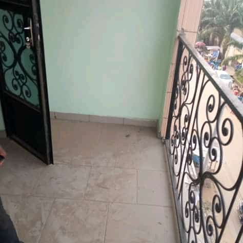 Apartment to rent - Douala, Cite Ubo Palmiers, Ver le marché - 1 living room(s), 2 bedroom(s), 2 bathroom(s) - 90 000 FCFA / month