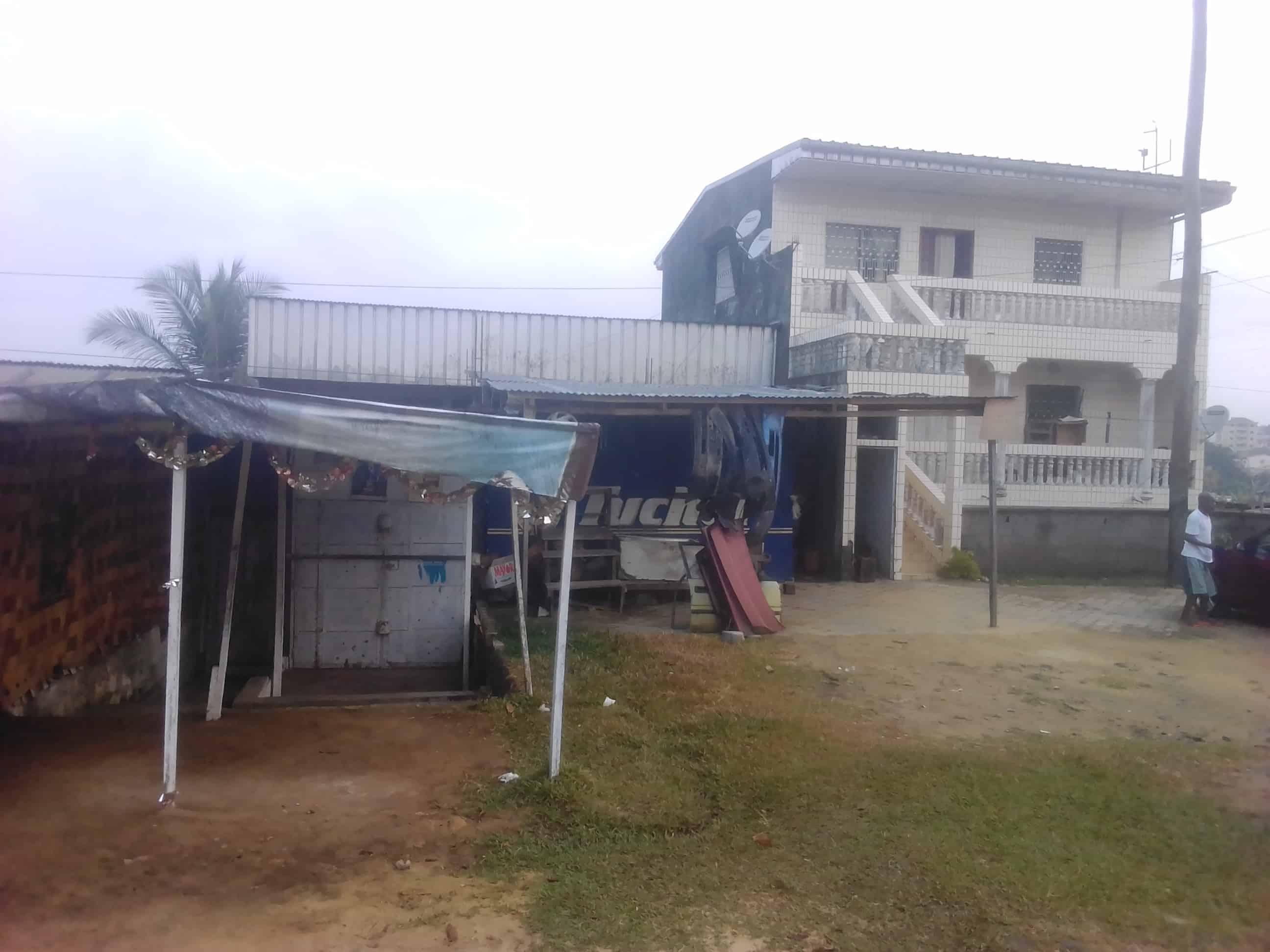 Land for sale at Douala, PK 09, Quartier PKO9 près du carréfour TOTAL de la cité des palmiers - 228 m2 - 15 960 000 FCFA
