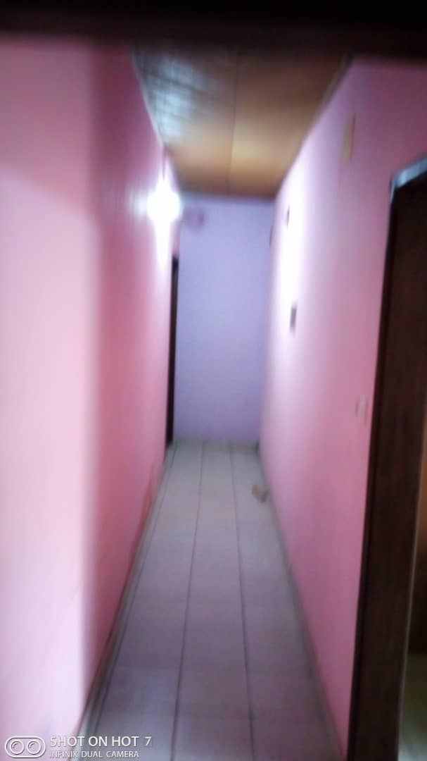 Apartment to rent - Douala, PK 11, C'est a pk12  ver le marché - 1 living room(s), 2 bedroom(s), 2 bathroom(s) - 70 000 FCFA / month