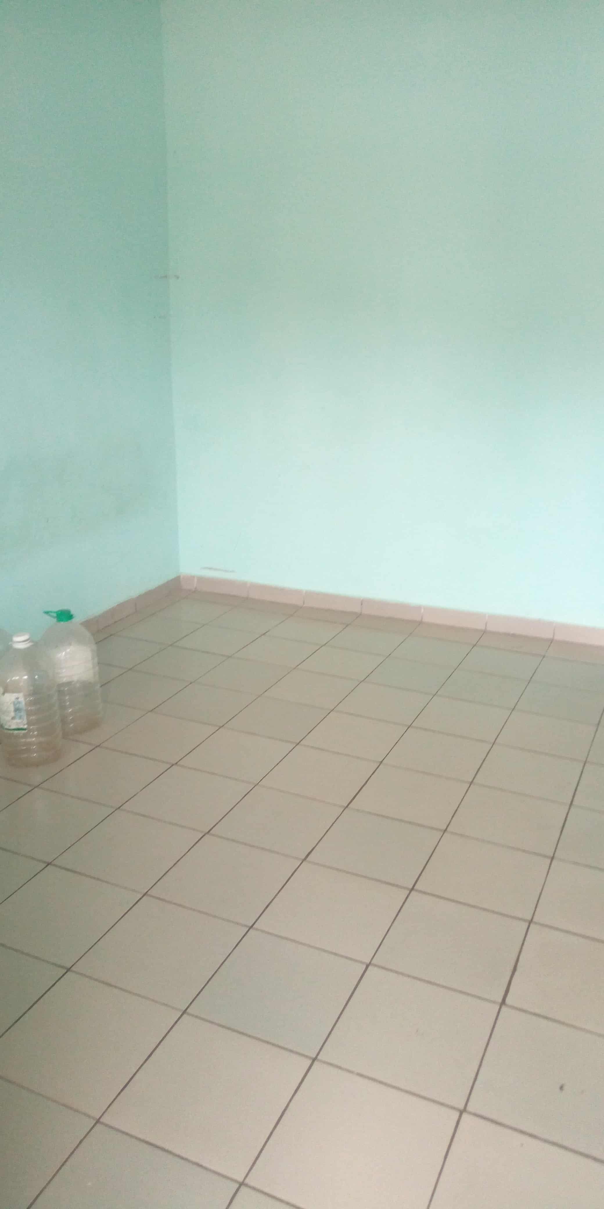 Studio to rent - Yaoundé, Biyem-Assi, Chambre moderne à louer à Yaoundé biyem assi lycée - 32 500 FCFA / month