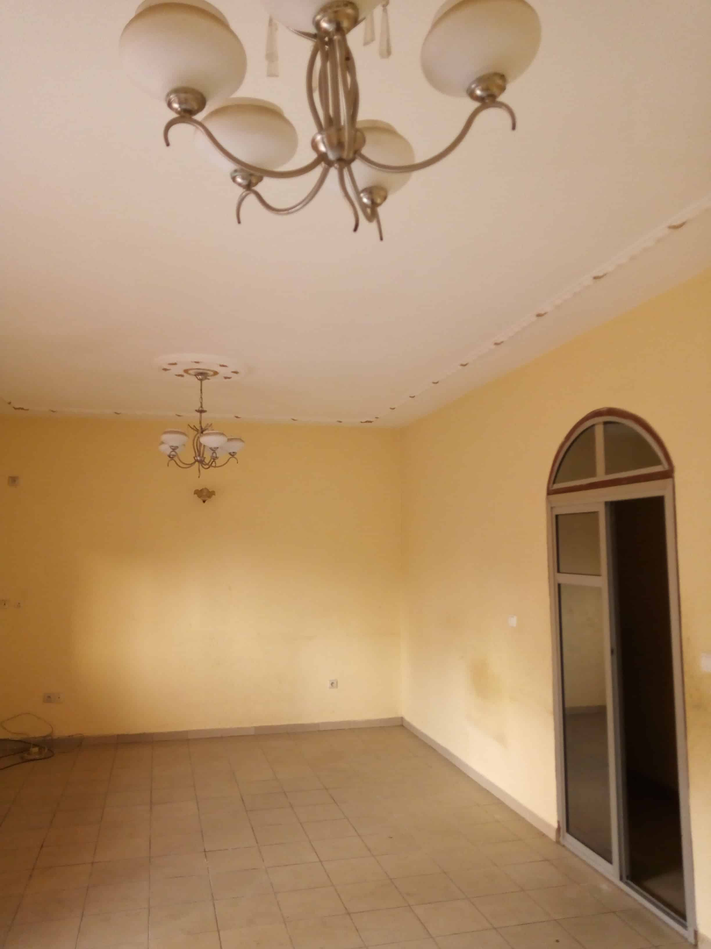 Apartment to rent - Douala, Makepe, Happy sport - 1 living room(s), 3 bedroom(s), 2 bathroom(s) - 180 000 FCFA / month