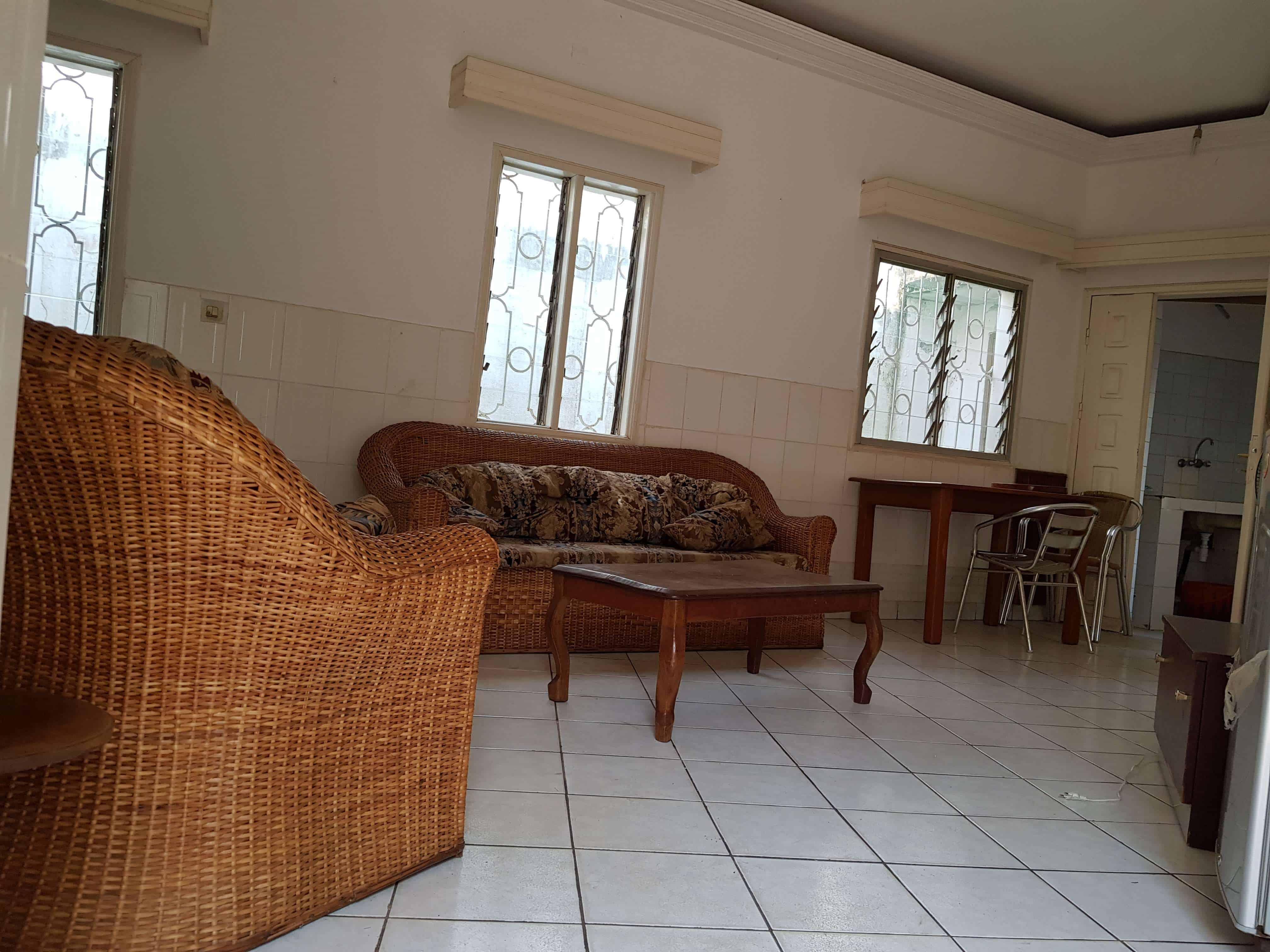 Appartement à louer - Yaoundé, Bastos, Eglise Orthodoxe - 1 salon(s), 1 chambre(s), 1 salle(s) de bains - 350 000 FCFA / mois