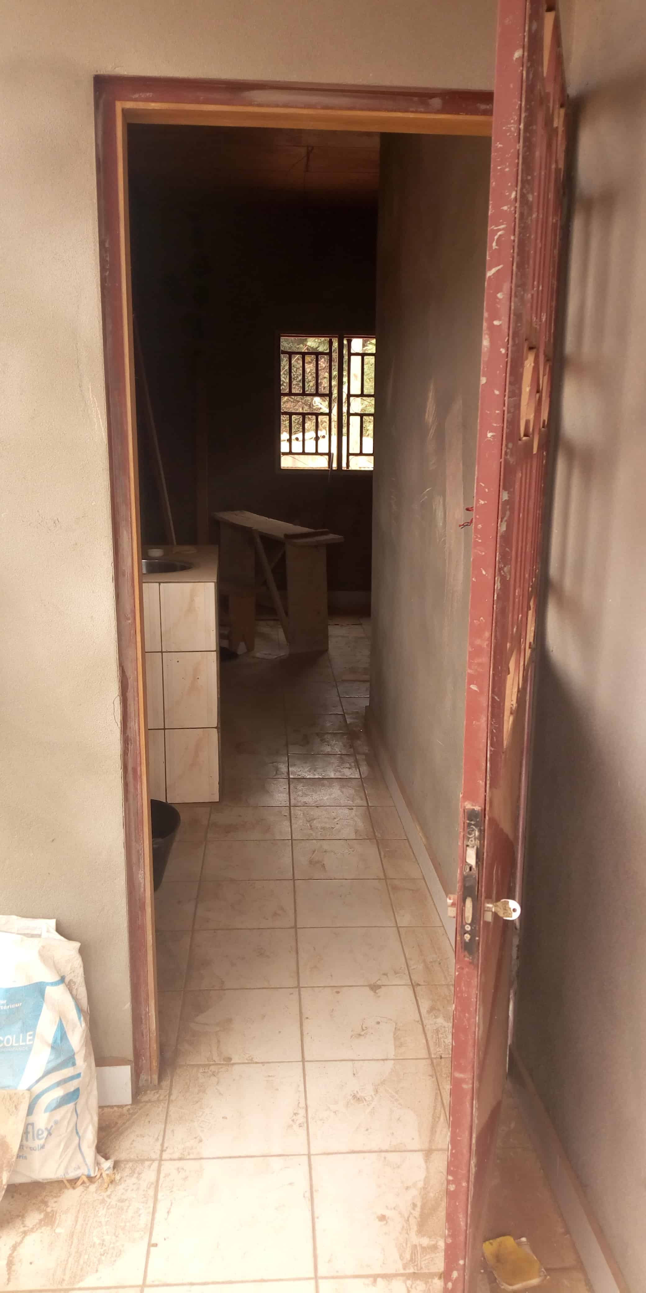 Studio to rent - Yaoundé, Abome, Chambre moderne à louer Yaoundé nouvelle route nsimeyong - 40 000 FCFA / month