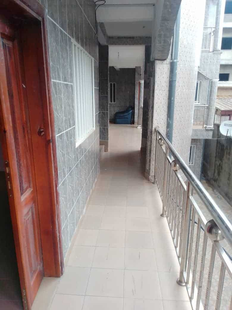 Apartment to rent - Douala, Kotto, Ver Baden Baden - 1 living room(s), 2 bedroom(s), 2 bathroom(s) - 100 000 FCFA / month