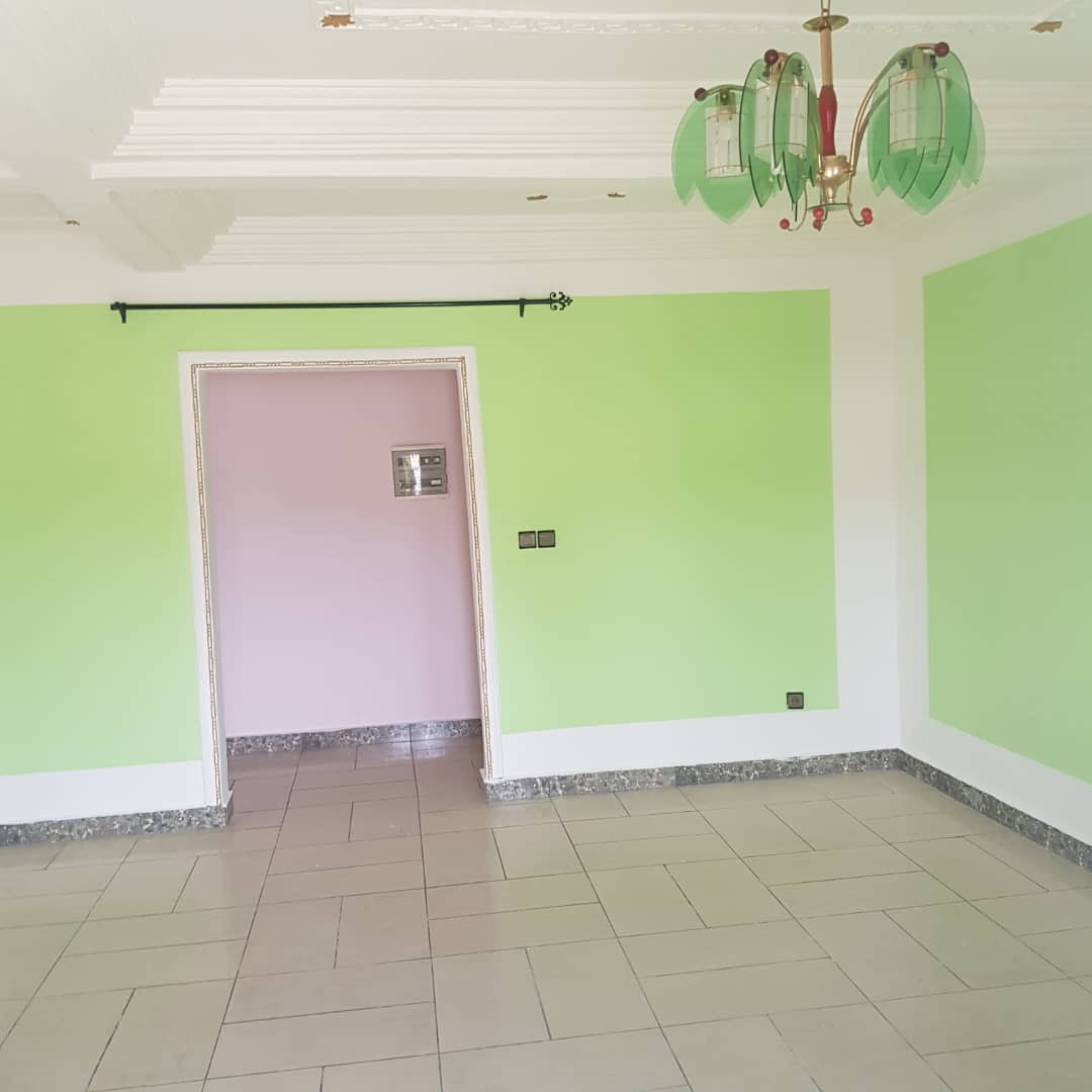 Apartment to rent - Douala, Logpom, Ver andem - 1 living room(s), 2 bedroom(s), 2 bathroom(s) - 130 000 FCFA / month