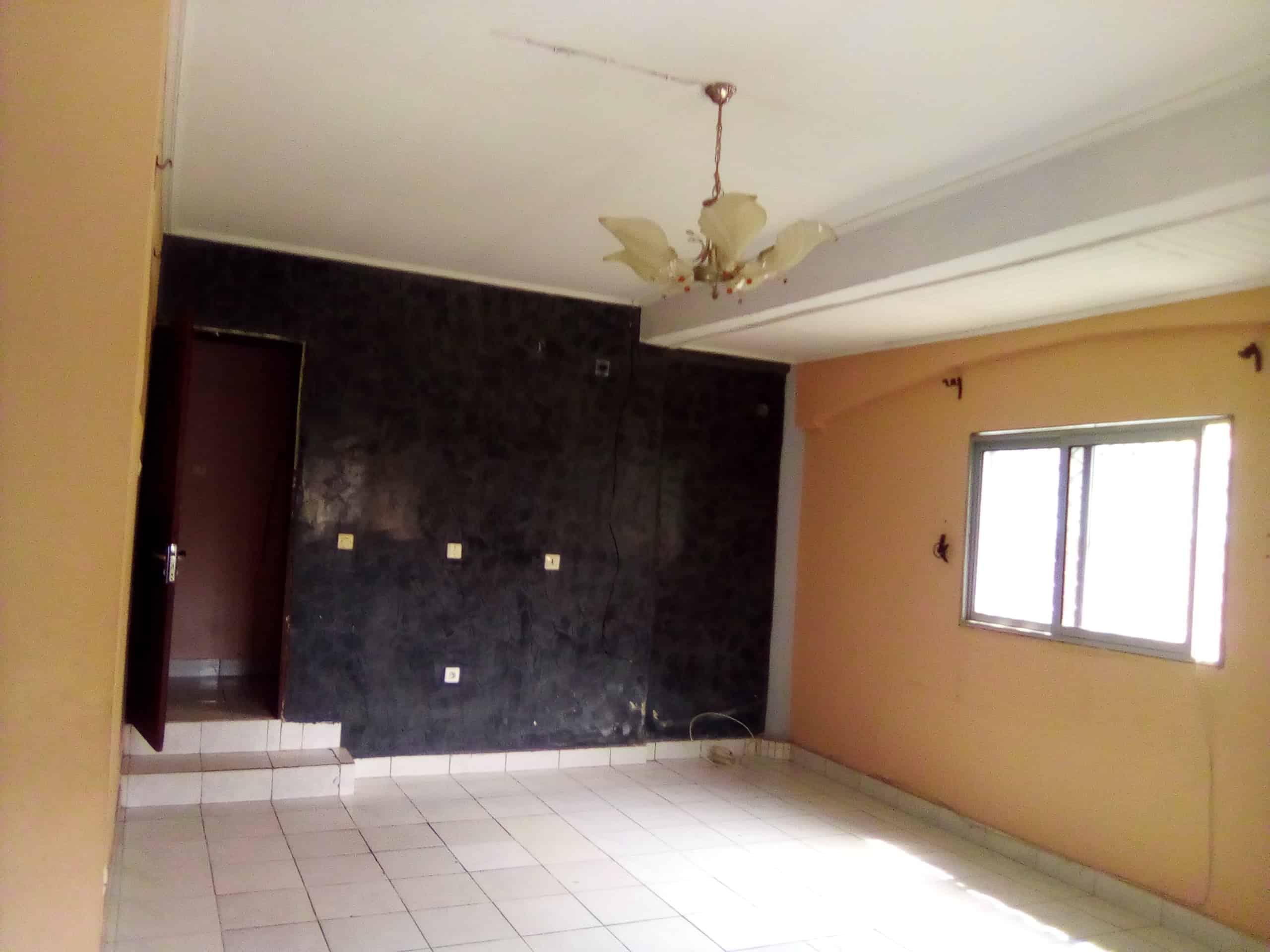 House (Villa) to rent - Douala, Makepe, BM - 1 living room(s), 3 bedroom(s), 2 bathroom(s) - 150 000 FCFA / month