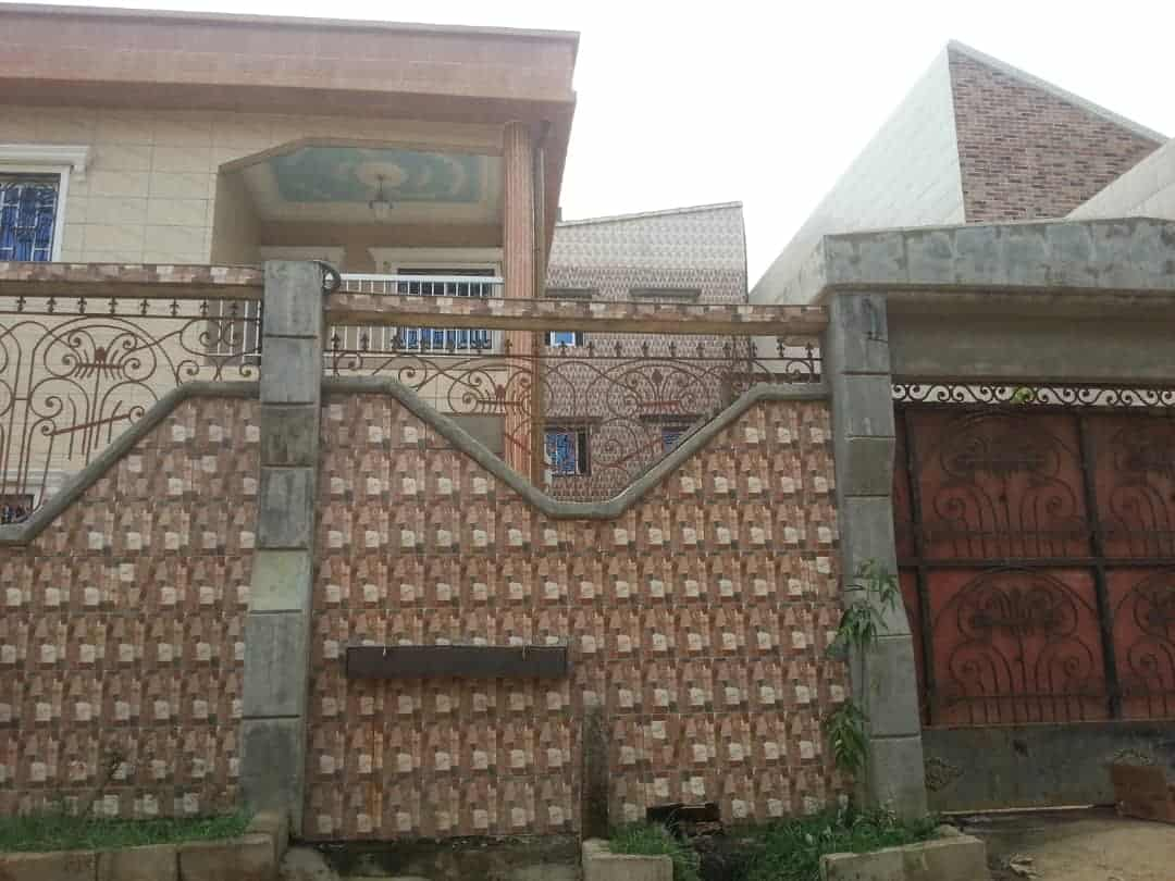 House (Duplex) for sale - Douala, Yassa, Maetur - 2 living room(s), 5 bedroom(s), 6 bathroom(s) - 350 000 000 FCFA / month
