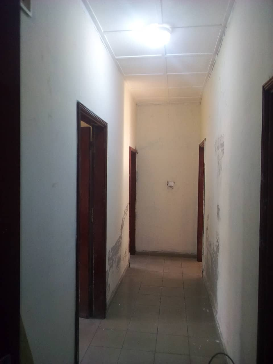 House (Villa) to rent - Yaoundé, Bastos, pas loin de mtn - 1 living room(s), 3 bedroom(s), 2 bathroom(s) - 1 000 000 FCFA / month
