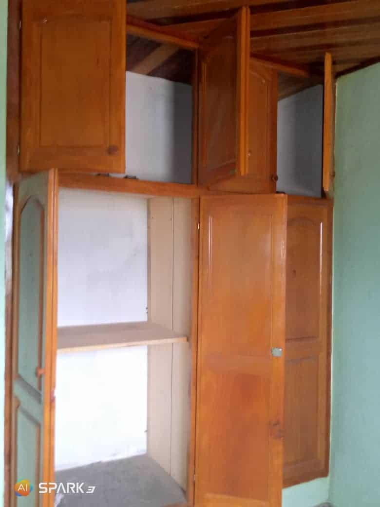 Appartement à louer - Douala, Logpom, Ver Garbon bar - 1 salon(s), 2 chambre(s), 2 salle(s) de bains - 120 000 FCFA / mois
