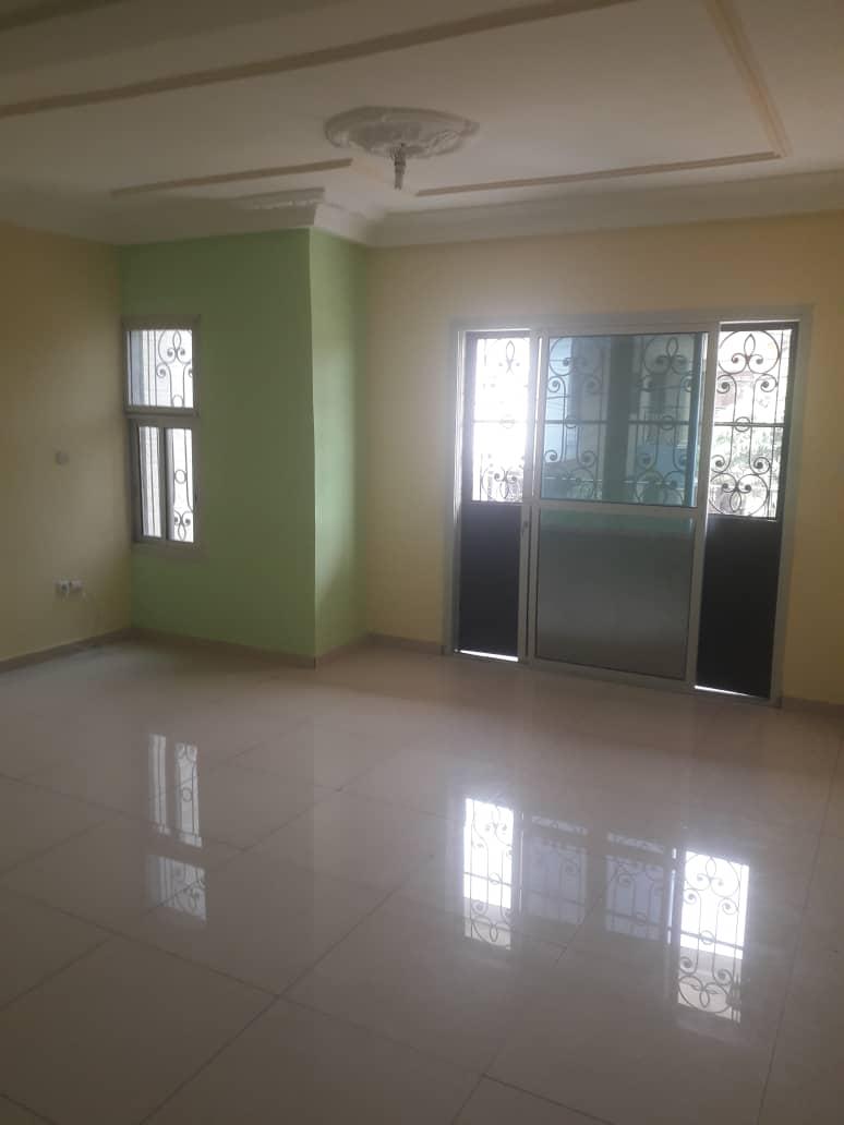 Appartement à louer - Douala, Logpom, Ver 4avenue - 1 salon(s), 2 chambre(s), 2 salle(s) de bains - 120 000 FCFA / mois
