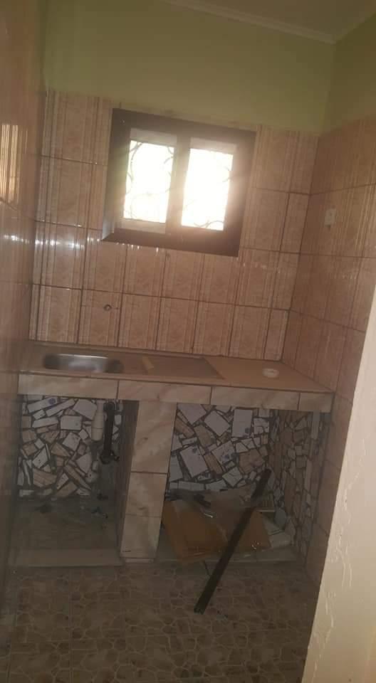 Appartement à louer - Douala, PK 17, Face université de douala - 1 salon(s), 1 chambre(s), 1 salle(s) de bains - 35 000 FCFA / mois