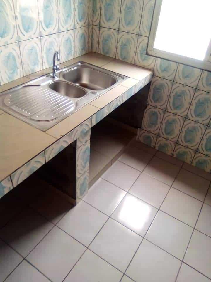 Appartement à louer - Douala, Logpom, Douala 5 ième - 1 salon(s), 1 chambre(s), 1 salle(s) de bains - 50 000 FCFA / mois