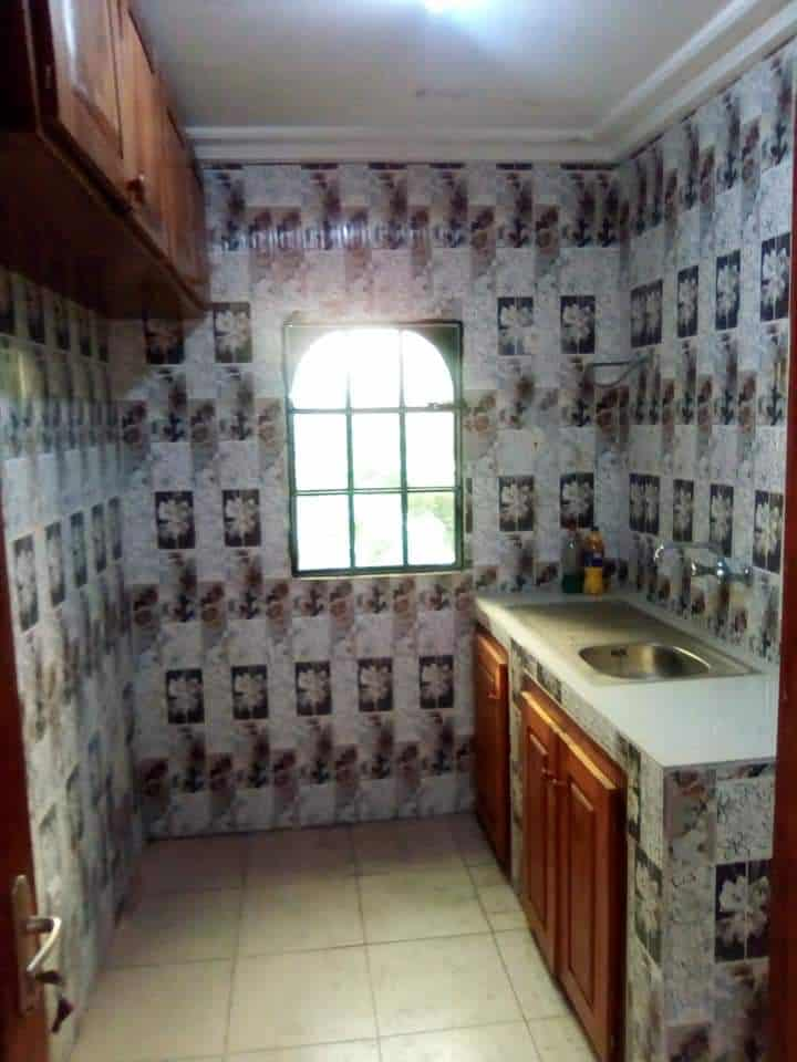 Appartement à louer - Douala, Logpom, Douala 5 ième - 1 salon(s), 2 chambre(s), 1 salle(s) de bains - 90 000 FCFA / mois