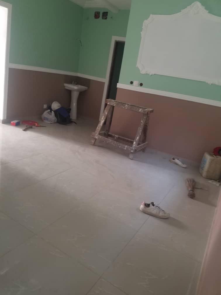 Appartement à louer - Douala, Logbessou I, Après mexicain - 1 salon(s), 1 chambre(s), 1 salle(s) de bains - 50 000 FCFA / mois