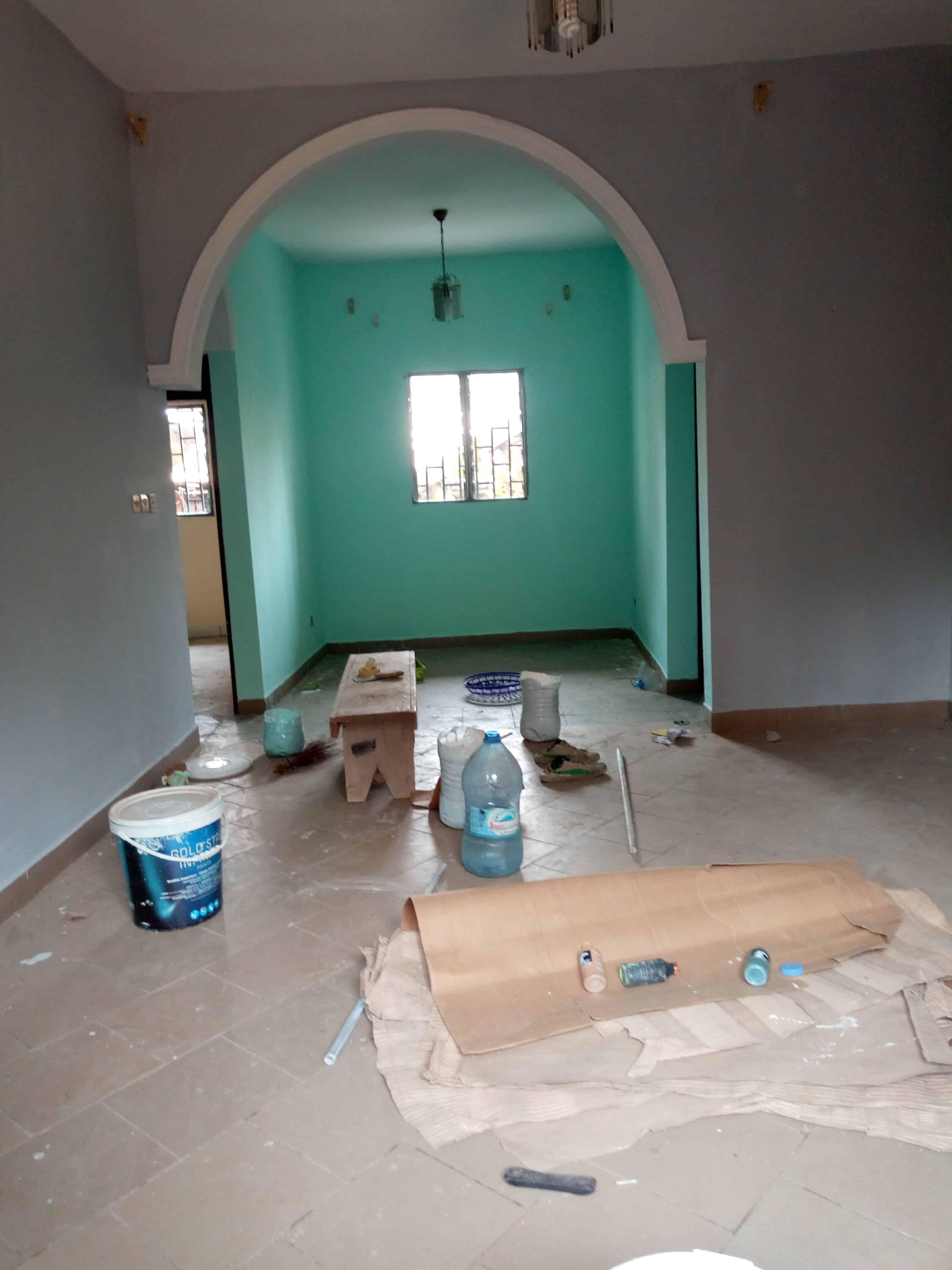 Appartement à louer - Douala, Makepe, Rond pauleng - 1 salon(s), 2 chambre(s), 1 salle(s) de bains - 100 000 FCFA / mois