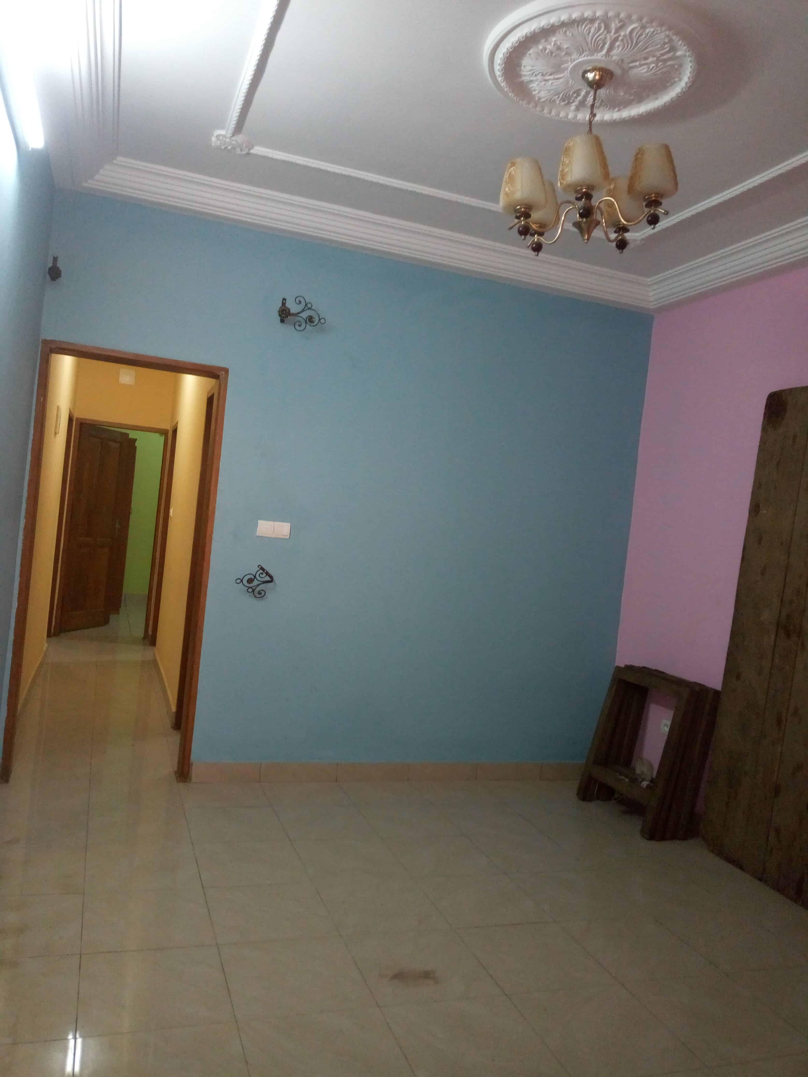 Appartement à louer - Douala, Kotto, Bangue' - 1 salon(s), 2 chambre(s), 1 salle(s) de bains - 80 000 FCFA / mois