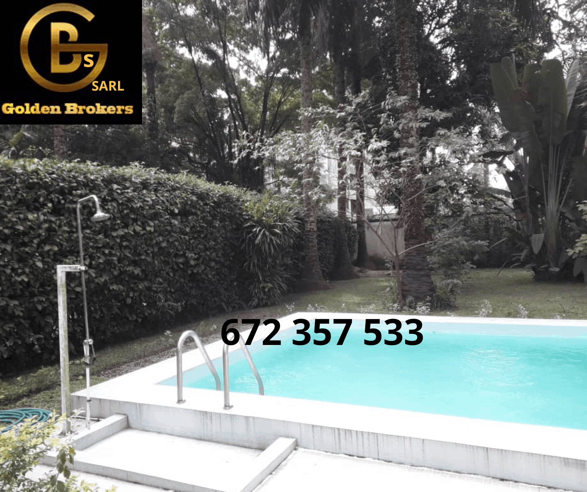 House (Duplex) to rent - Douala, Bonapriso, Dominique Savio primaire - 1 living room(s), 5 bedroom(s), 5 bathroom(s) - 3 000 000 FCFA / month