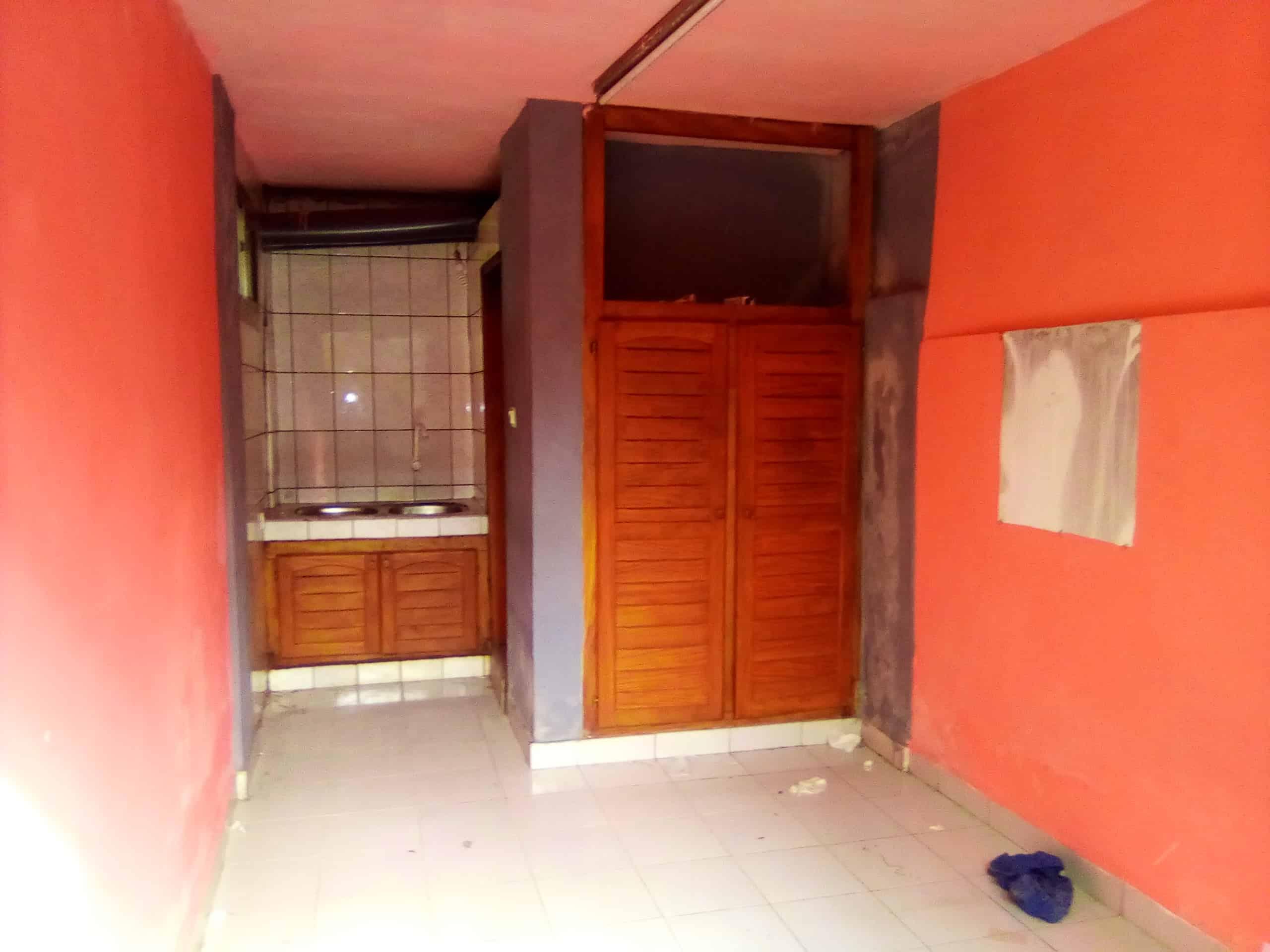 Studio to rent - Douala, Akwa I, BELAVIE - 35 000 FCFA / month