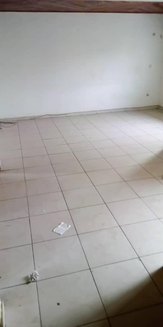 Appartement à louer - Douala, Bonamoussadi, Ver bijou - 1 salon(s), 2 chambre(s), 2 salle(s) de bains - 140 000 FCFA / mois