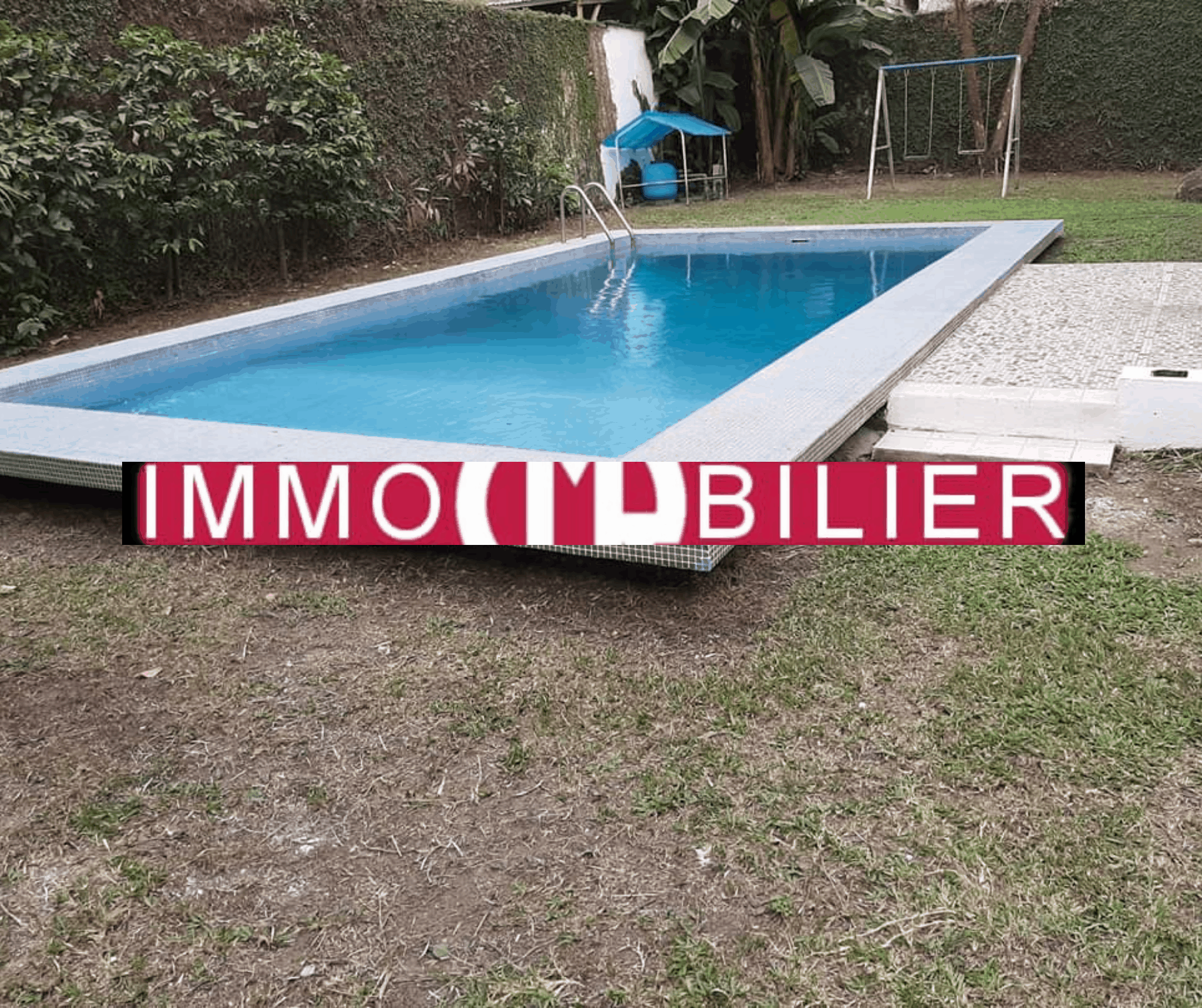 House (Villa) to rent - Douala, Bonapriso, Dominique Savio primaire - 1 living room(s), 3 bedroom(s), 2 bathroom(s) - 1 800 000 FCFA / month