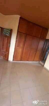 Appartement à louer - Douala, Makepe, Ver st Tropez - 1 salon(s), 2 chambre(s), 3 salle(s) de bains - 150 000 FCFA / mois