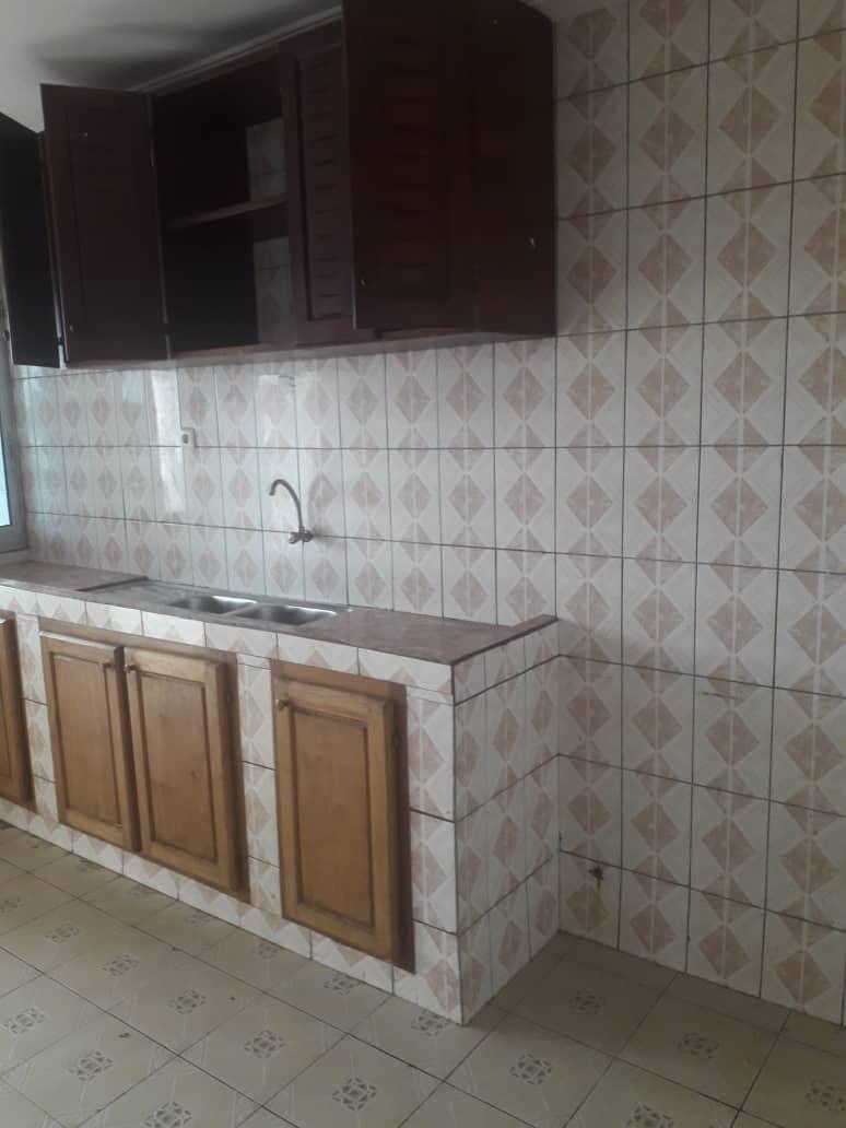Appartement à louer - Douala, Logpom, Derrière andem - 1 salon(s), 2 chambre(s), 2 salle(s) de bains - 120 000 FCFA / mois