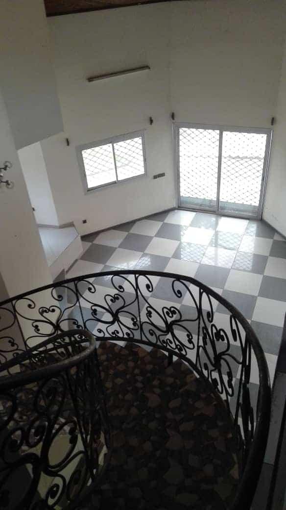 House (Duplex) to rent - Douala, Yassa, Ver cité Chirac - 2 living room(s), 4 bedroom(s), 4 bathroom(s) - 200 000 FCFA / month