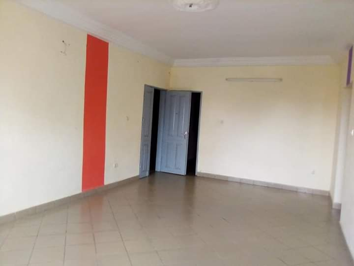 Apartment to rent - Douala, Kotto, Résidence kotto - 1 living room(s), 3 bedroom(s), 2 bathroom(s) - 100 000 FCFA / month